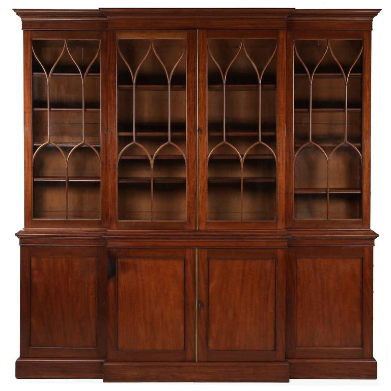 American Federal Mahogany Library Bookcase Breakfront Cabinet, Circa  1795 1815 For Sale