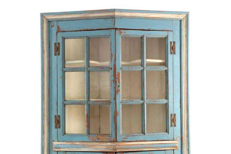 Chippendale 19th Century American Blue Painted Corner Cabinet In Eastern  Shore Style For Sale