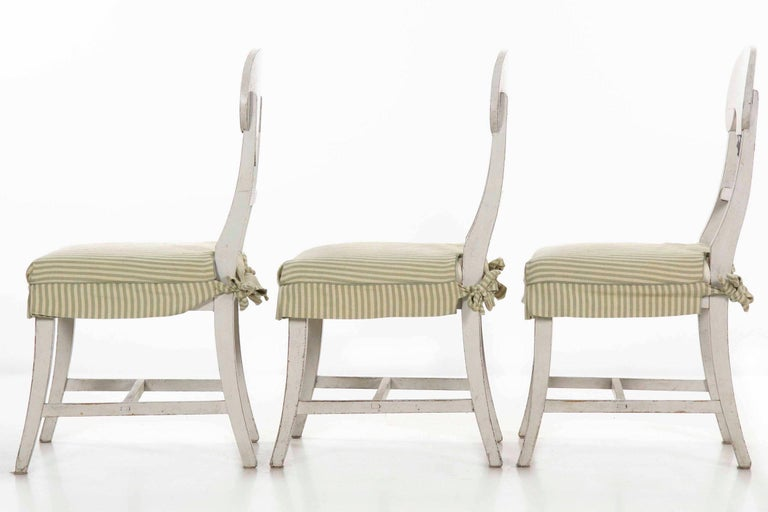 Swedish Gustavian Style Set of Six White Painted Dining Chairs For Sale 3