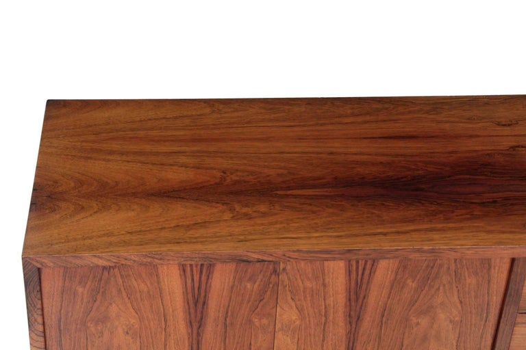 Veneer Danish Mid-Century Modern Rosewood Credenza Chest of Drawers by Poul Hundevad For Sale