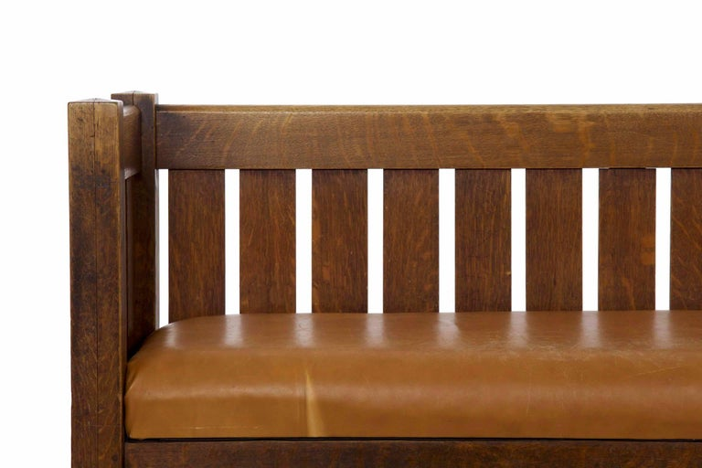 American 20th Century Arts & Crafts Mission Leather & Oak Antique Hall Settle Sofa Settee For Sale