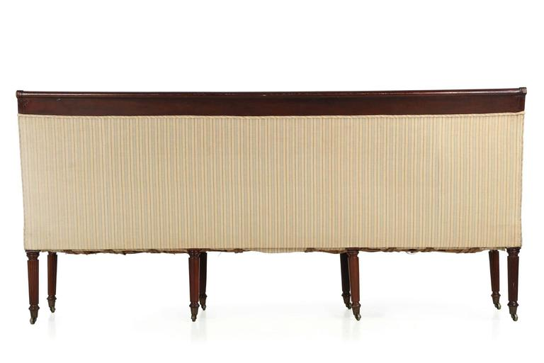American Classical Reeded Mahogany Antique Sofa Settee, Baltimore, circa  1820 In Good Condition For - American Classical Reeded Mahogany Antique Sofa Settee, Baltimore