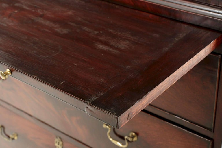 English George III Flame Mahogany Tall Chest on Chest of Drawers, circa 1780 For Sale 1