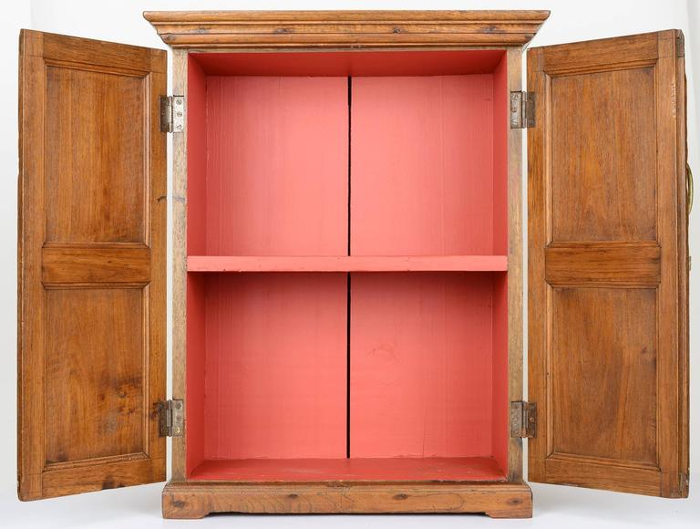 18th Century American Hanging Cupboard In Good Condition For Sale In Carmel, CA