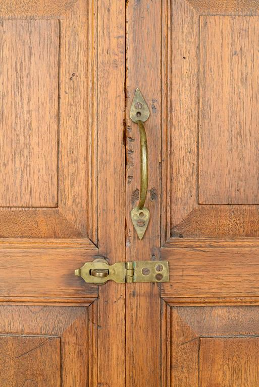 Oak 18th Century American Hanging Cupboard For Sale