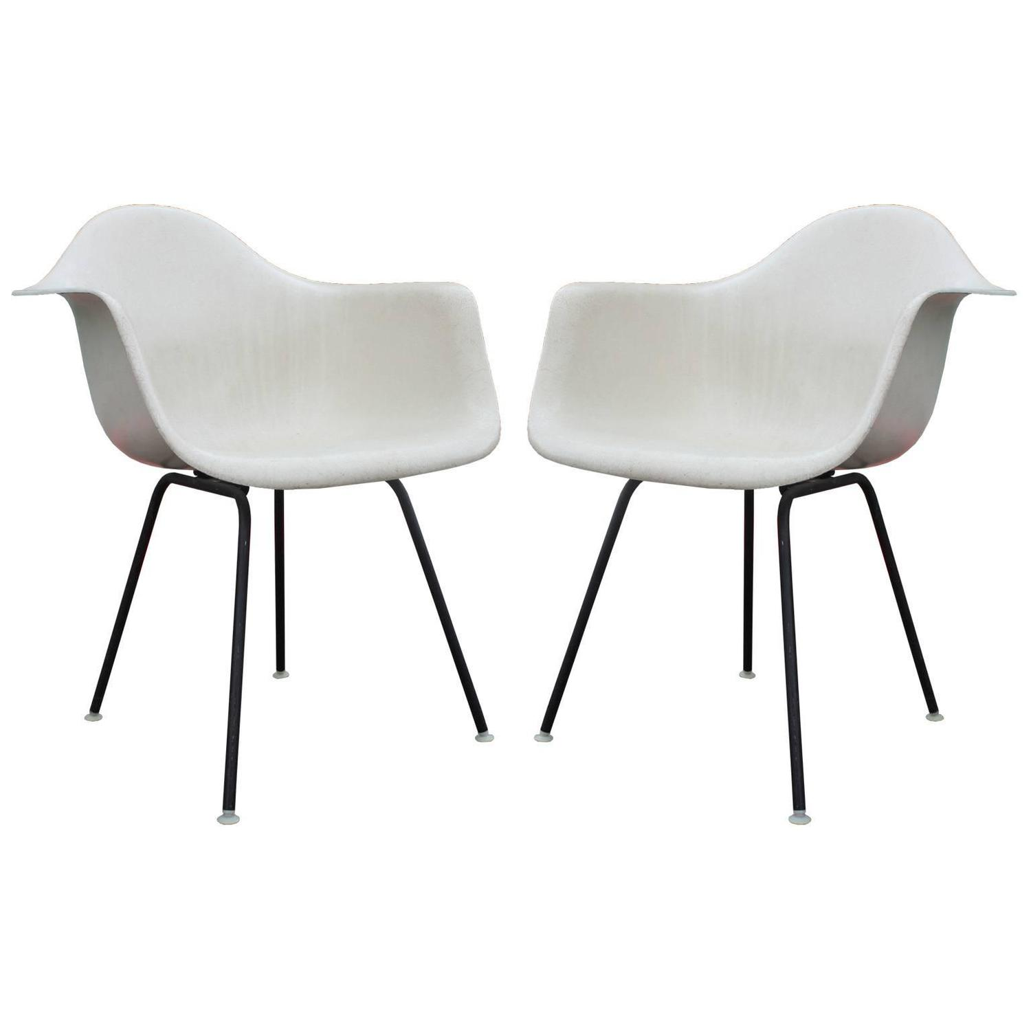 Iconic Pair of Early Eames Fiberglass Modern Bucket Chairs in