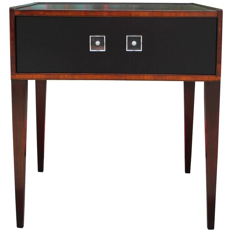 Elegant Pair Of Modern Two Tone End Tables / Nightstands With Lucite Pulls 3