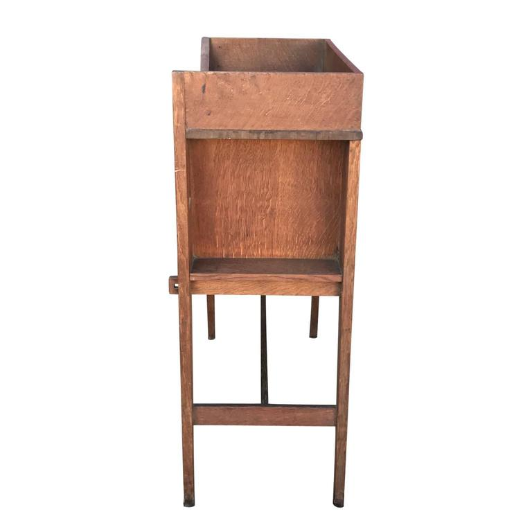 20th Century Arts And Crafts Or Mission Style Oak Drop