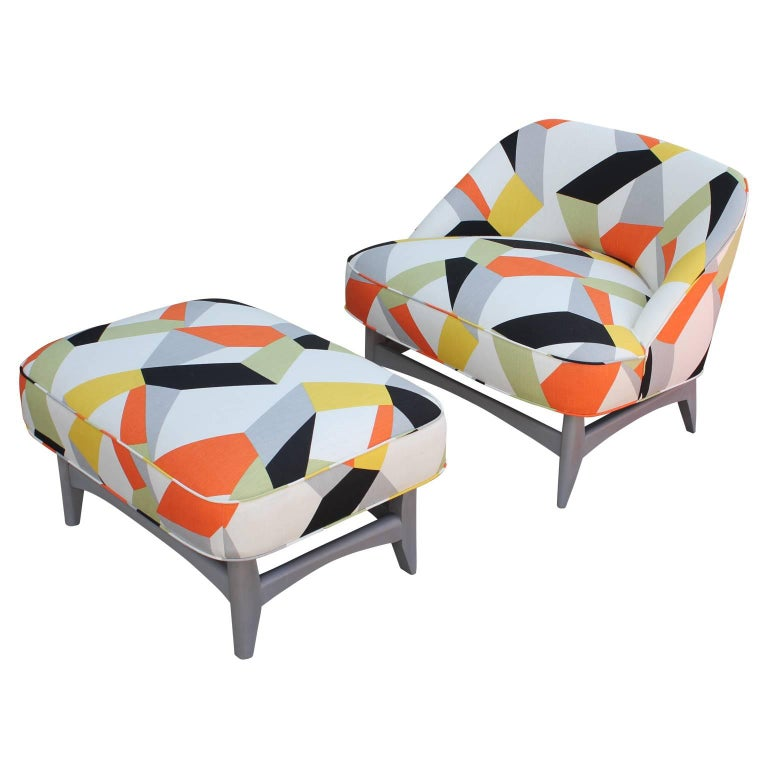 Pair of Modern Lounge Chairs in Gray and Bold Geometric Fabric with Ottoman 10