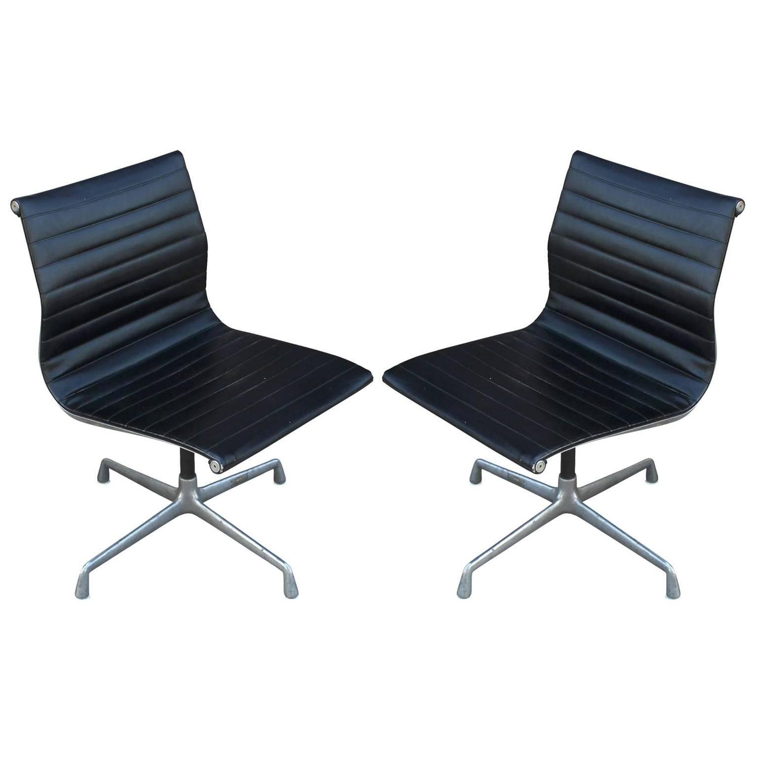 two eames aluminum group chairs at 1stdibs. Black Bedroom Furniture Sets. Home Design Ideas
