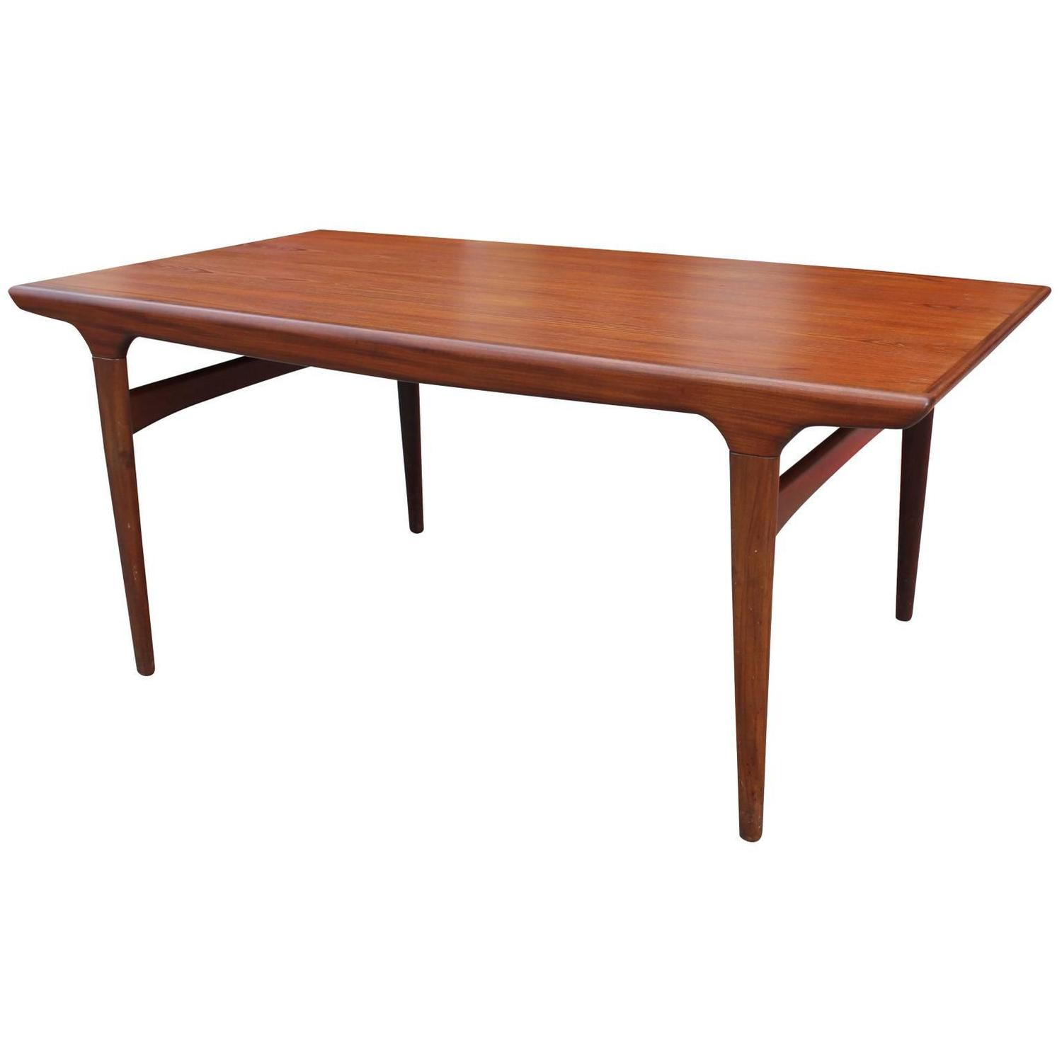 Elegant Danish Teak Dining Table with a Cantilevered Leaf  : treakdining6z from www.1stdibs.com size 1500 x 1500 jpeg 51kB