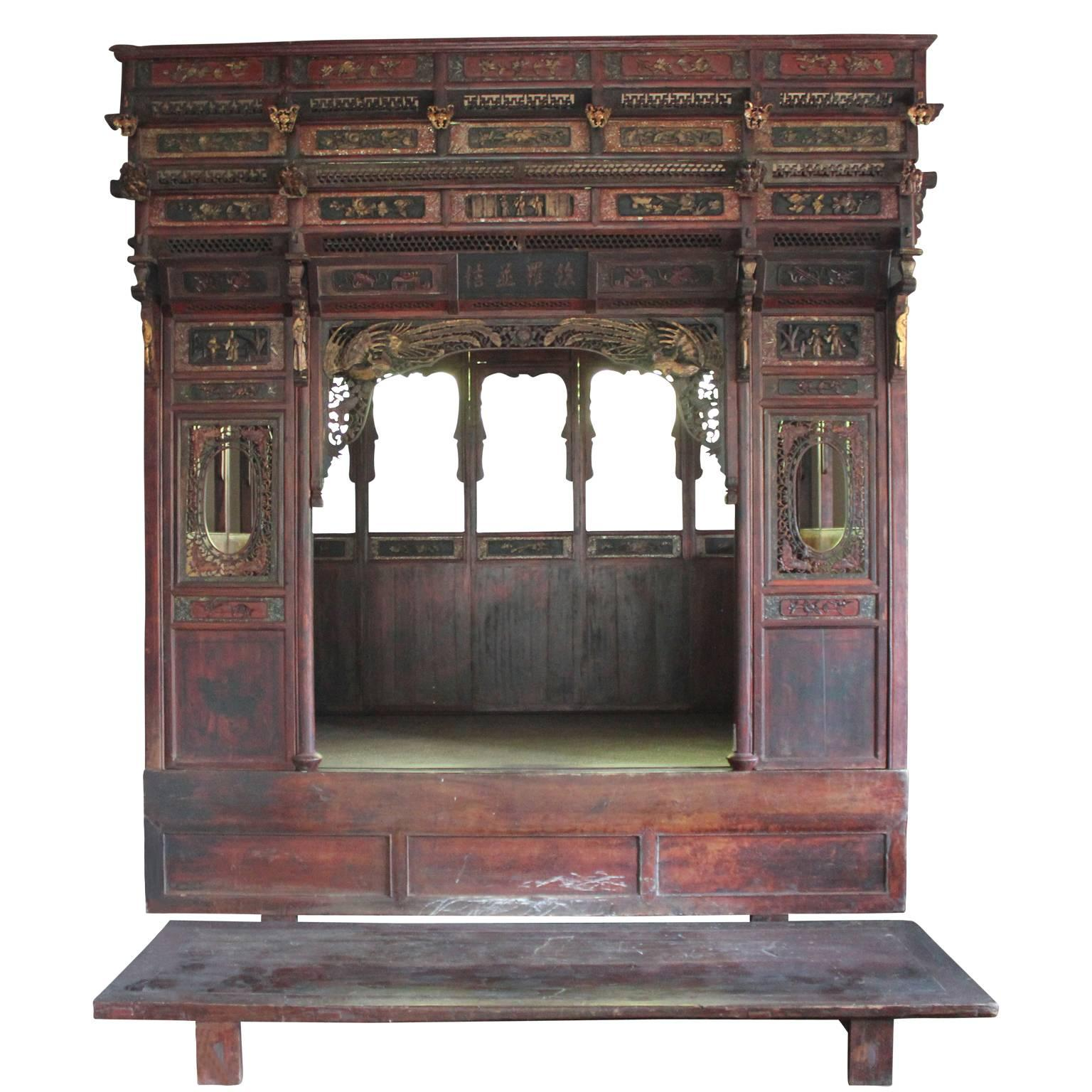 Charmant Traditional Chinese Wedding Bed With Platform And Hand Carved Detailing
