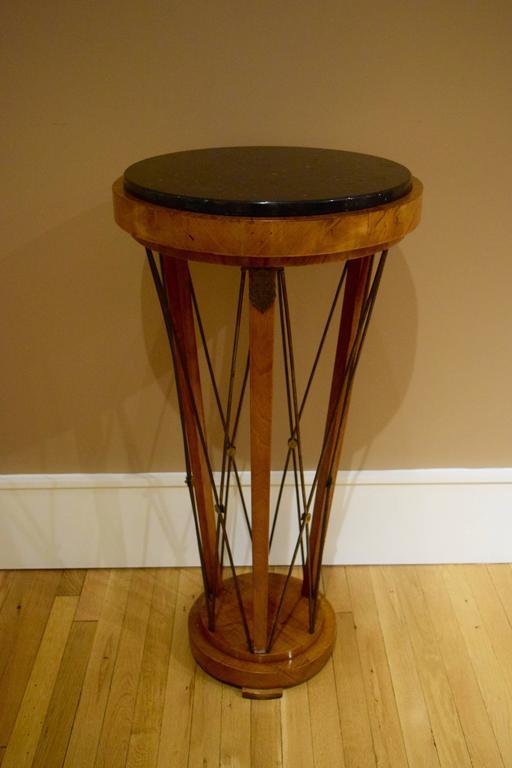 Biedermeier Pair of American 1940s Neo-Classical Pedestals For Sale