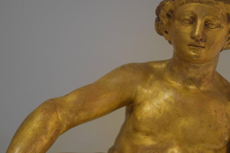 18th Century Giltwood Sculpture of a Female Nude In Good Condition For Sale In New York, NY
