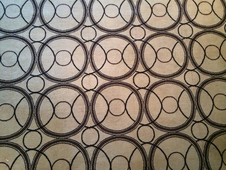 English Alessandro Albrizzi Rug from the 1960s For Sale