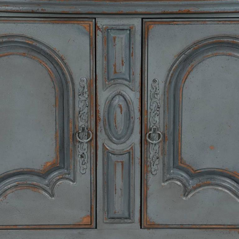 Country French Two-Part Cabinet In Good Condition For Sale In Lawrenceburg, TN