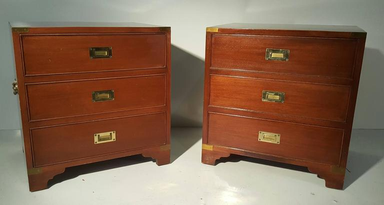 Classic Pair of Mahogany and Brass Campaign Stands/Chest In Good Condition For Sale In Buffalo, NY