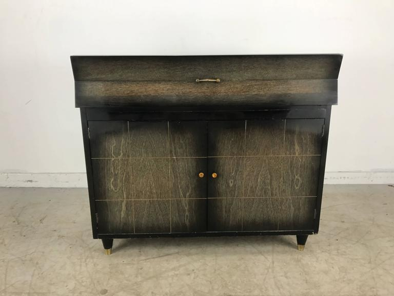 American Mid-Century Modern Dry Bar, Cabinet, Server or Storage For Sale