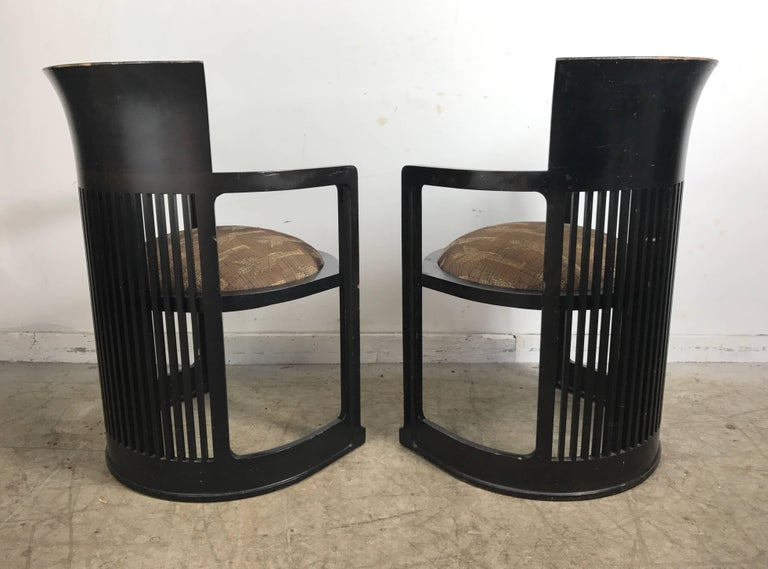 Lacquered Pair of 606 Barrel Taliesin Chairs Frank Lloyd Wright for Cassina For Sale
