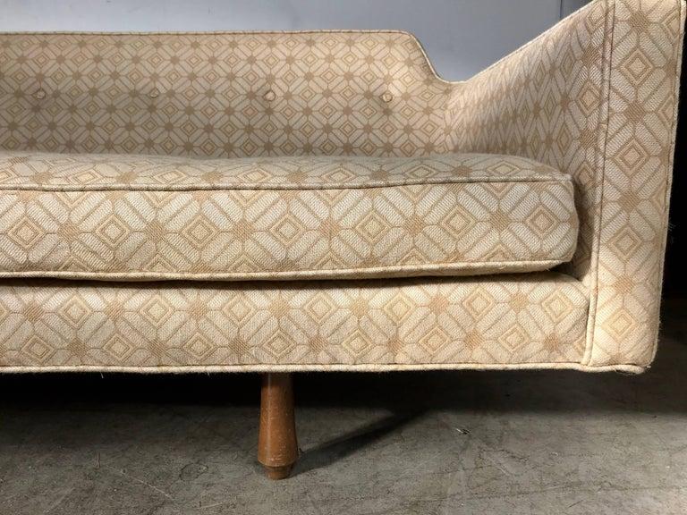 Modernist Sofa Designed by Edward Wormley for Dunbar 2