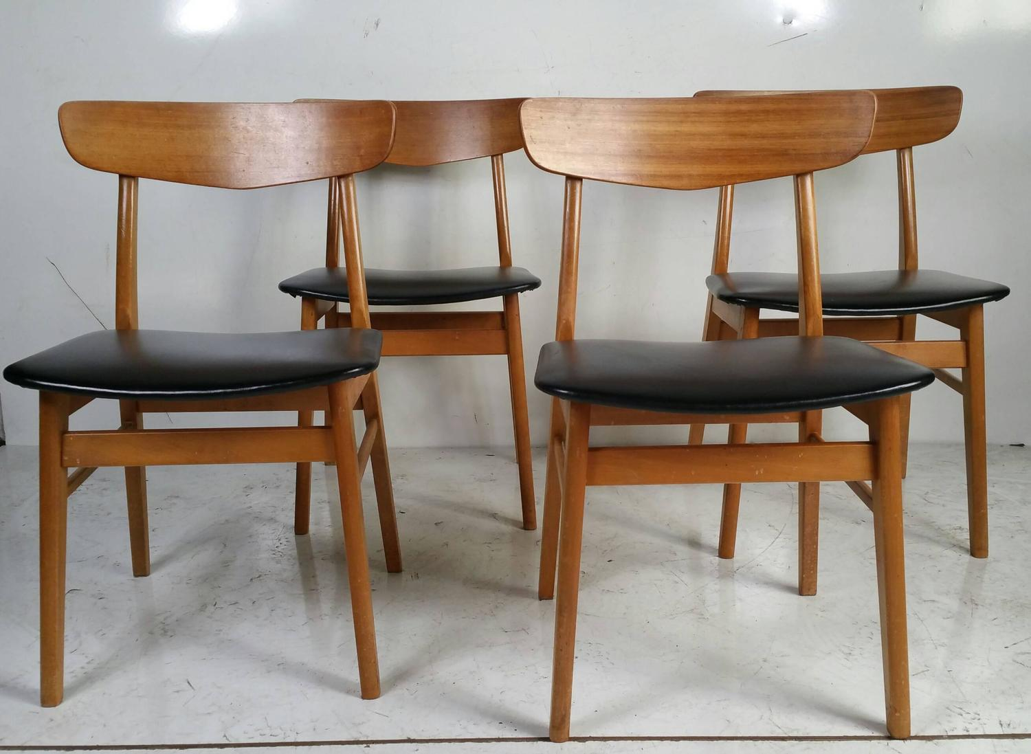 Set of four danish modern dining chairs at 1stdibs for Modern dining furniture