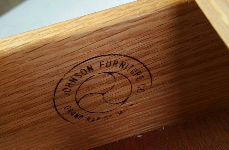 Brass Rare Renzo Rutili Stand Johnson Furniture For Sale