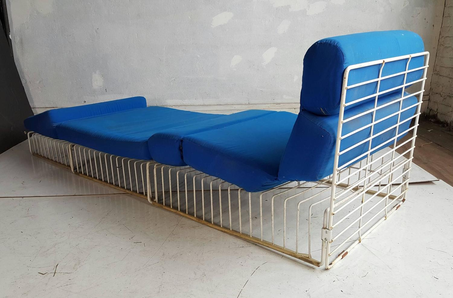 Pair Of Mid Century Modern Wire Iron Cage Chaise Lounge Patio Chairs At 1stdibs