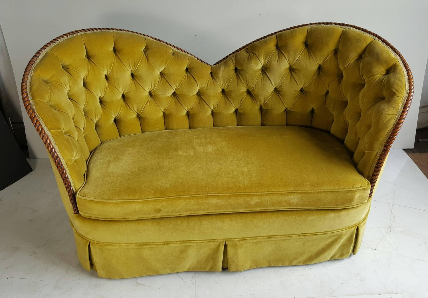 Stunning Regency Heart Shape Settee Sofa Or Loveseat