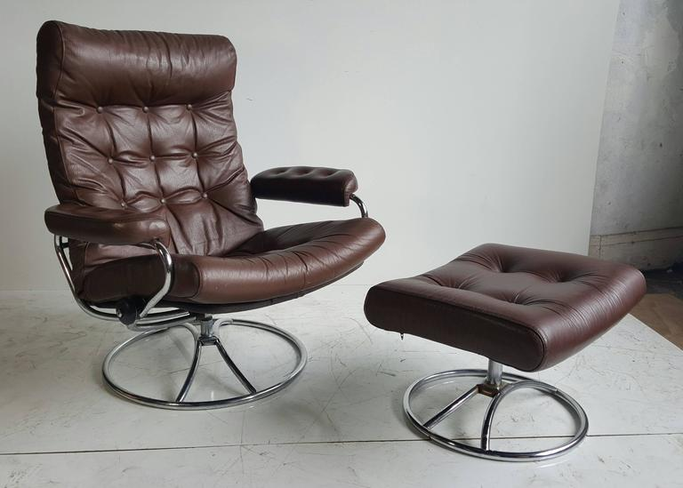 Brown Leather Ekornes Stressless Lounge With Ottoman 1960
