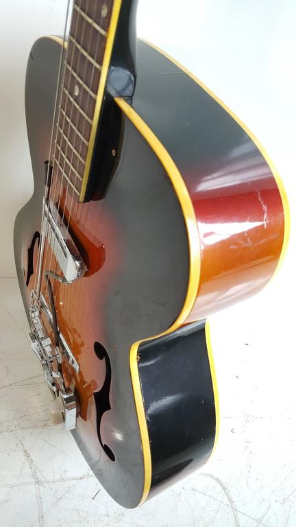 Acoustic or Electric Jazz Guitar, Silvertone, 1950s In Good Condition For Sale In Buffalo, NY
