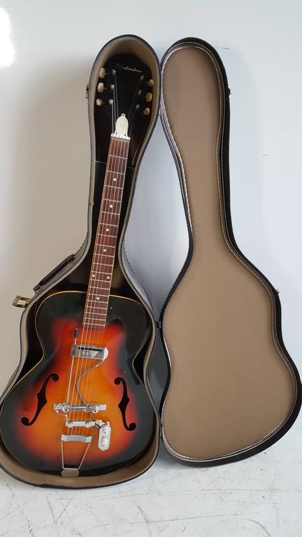 Acoustic or Electric Jazz Guitar, Silvertone, 1950s For Sale 2