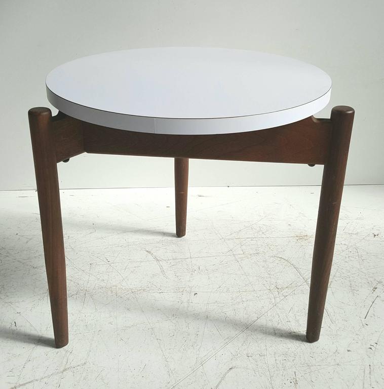 Modernist Side Table, Walnut and Laminate, Designed by Jens Risom 4