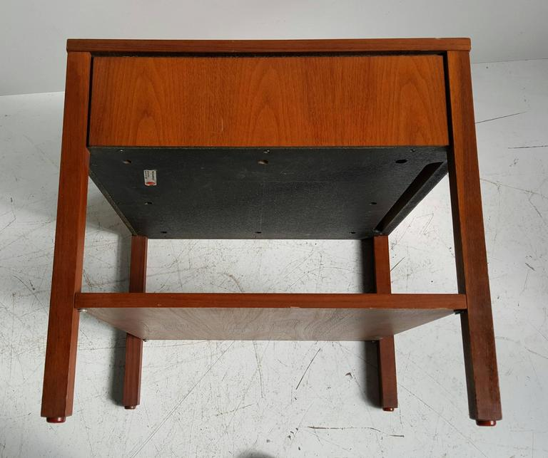 Early Florence Knoll One-Drawer Table/Stand, Nightstand, Knoll In Good Condition For Sale In Buffalo, NY