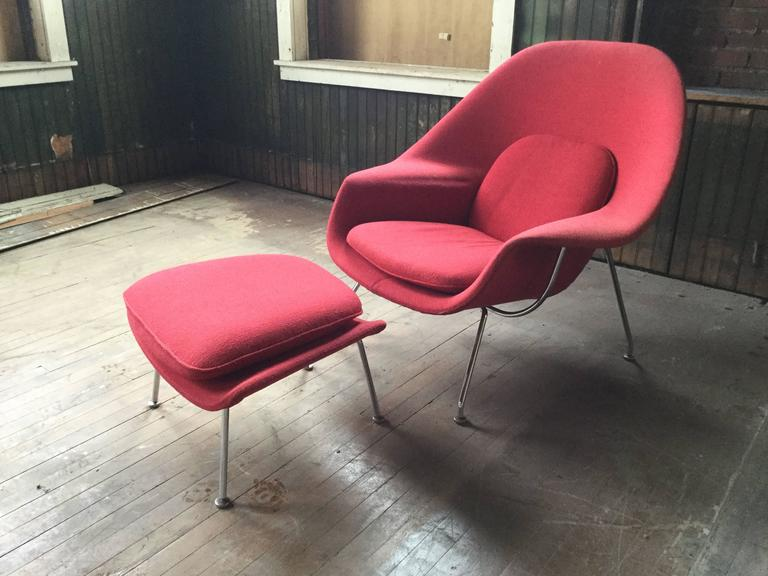 American Eero Saarinen Womb Chair And Ottoman For Knoll For Sale