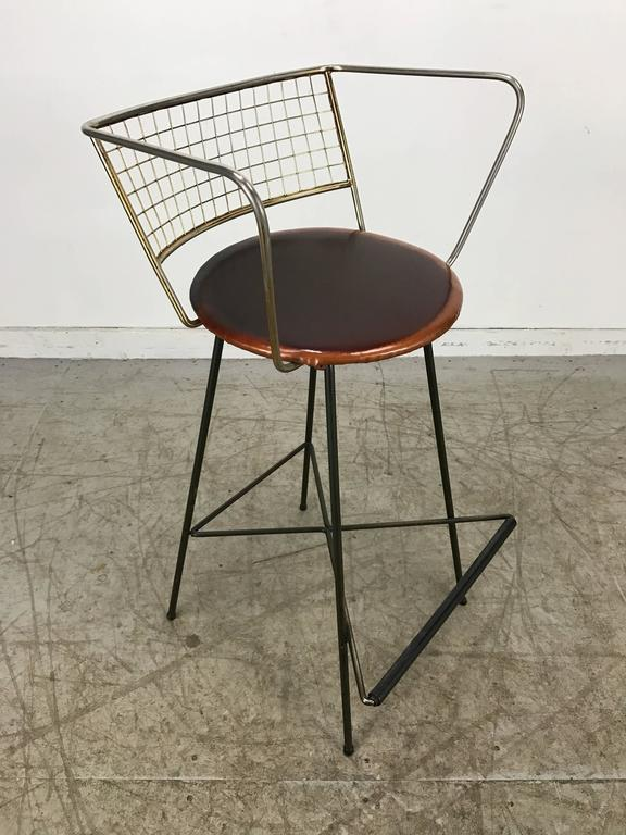 Classic Mid-Century Modern Brass and Wire Iron Stool For Sale 1