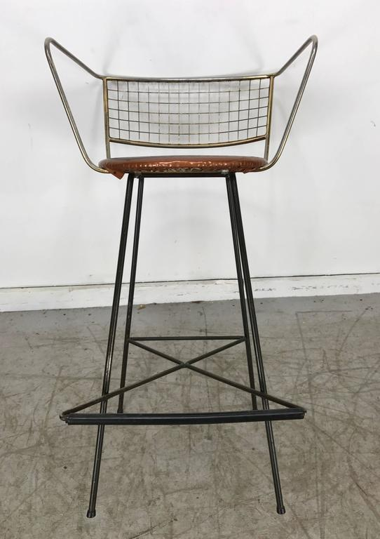 Classic Mid-Century Modern Brass and Wire Iron Stool For Sale 3