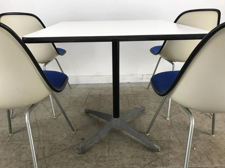 Classic Mid-Century Modern Charles and Ray Eames Dinette Set 6