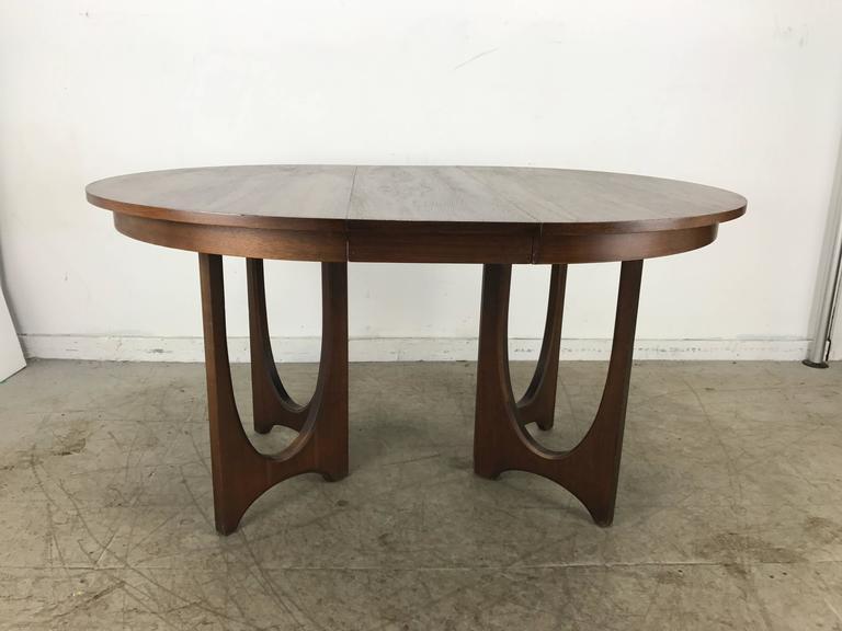 mid century modern expandable walnut sculptural dining table broyhill brasilia at 1stdibs. Black Bedroom Furniture Sets. Home Design Ideas