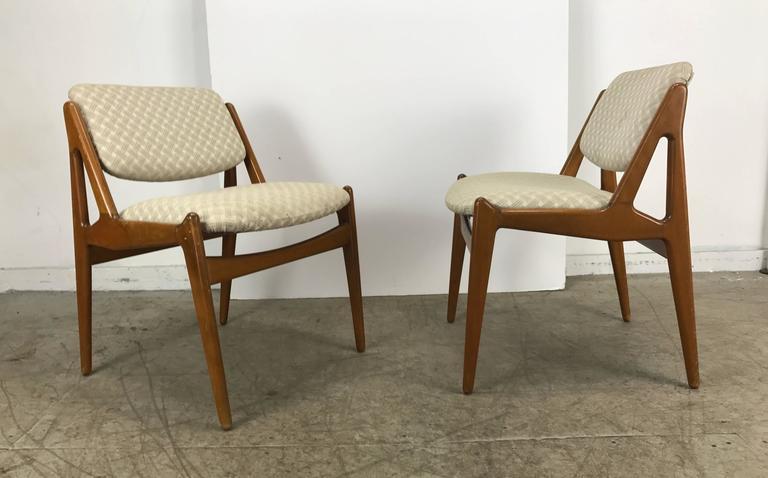 Danish Set of Four Solid Sculptural Teak Dining Chairs by Arne Vodder, Denmark For Sale