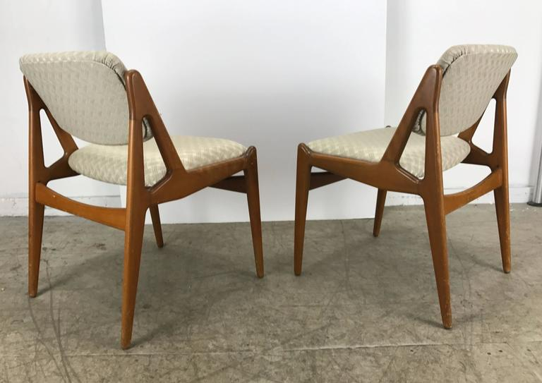 Set of Four Solid Sculptural Teak Dining Chairs by Arne Vodder, Denmark In Good Condition For Sale In Buffalo, NY