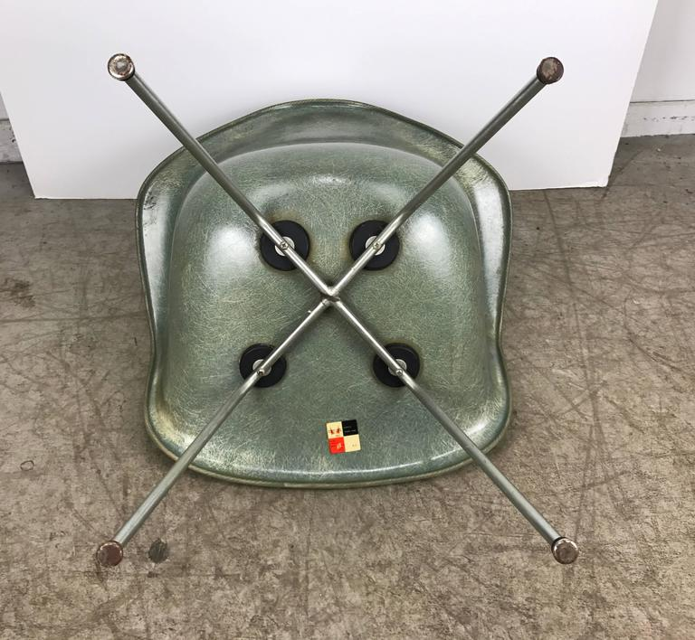 Zinc Classic Modernist Charles and Ray Eames Arm Shell Lounge Chair, Zenith For Sale