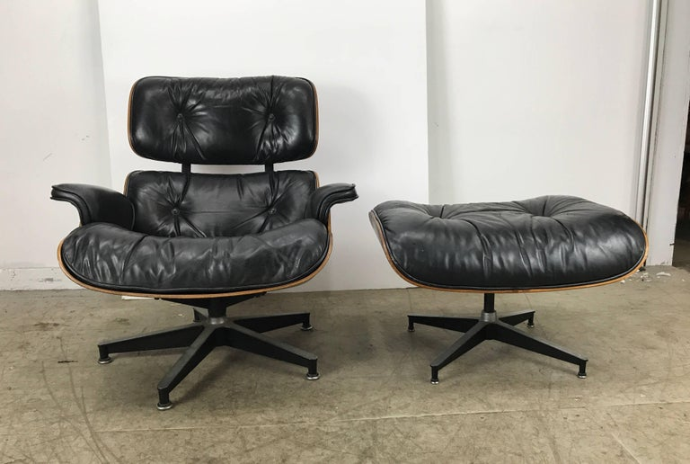 Early Classic Mid-Century Modern 670/671 Eames Lounge and Ottoman Herman Miller In Good Condition In Buffalo, NY