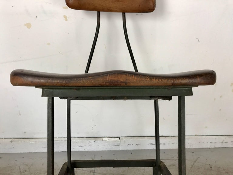 Early Adjustable Industrial Machinist Stool, Manufactured by Toledo For Sale 1