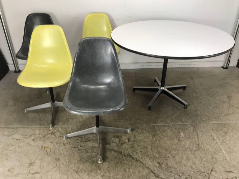 Classic Charles and Ray Eames Dinette Set, Aluminum & Fiberglass, Herman Miller 3