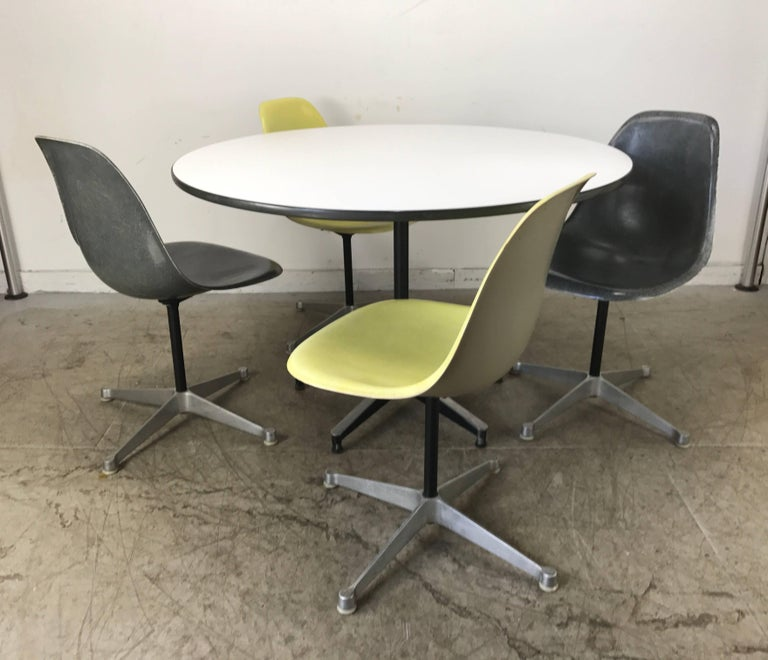 Classic Charles and Ray Eames Dinette Set, Aluminum & Fiberglass, Herman Miller 7