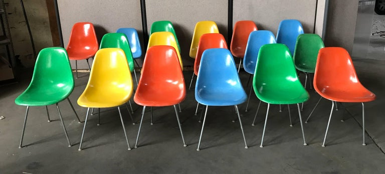 American Set of 18 Charles and Ray Eames Fiberglass Scoop Shell Chairs DSX Herman Miller For Sale