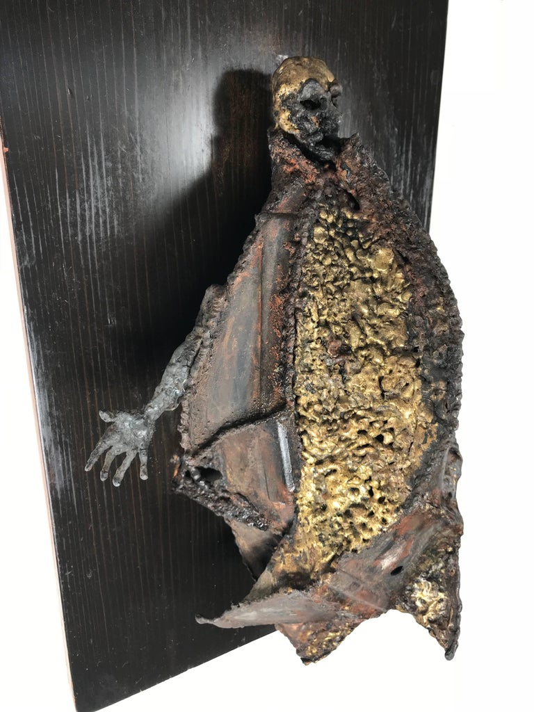 Hand-Crafted Unusual Brutalist Bronze Figure Mounted Sculpture For Sale