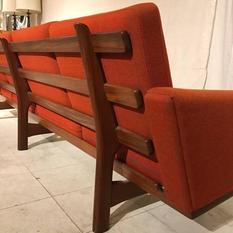 Hans Wegner Ge236/4 Sofa by GETAMA in Teak 7
