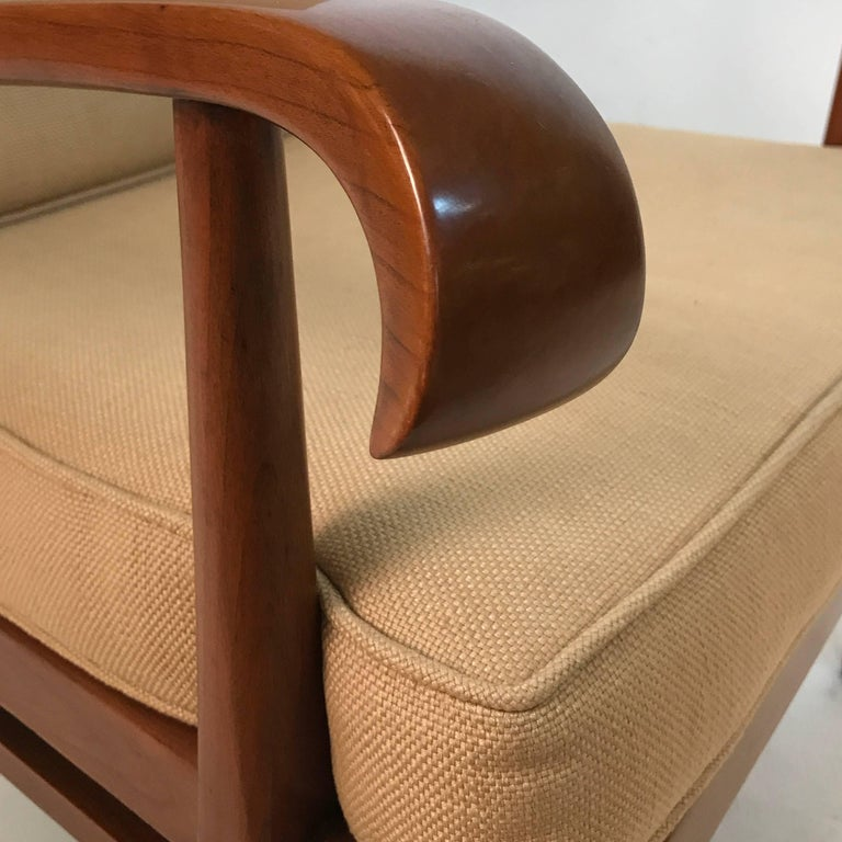 Stunning Pair of Sleek Armchairs by Willhelm and Walter Knoll for Knoll Antimott In Excellent Condition For Sale In Hudson, NY