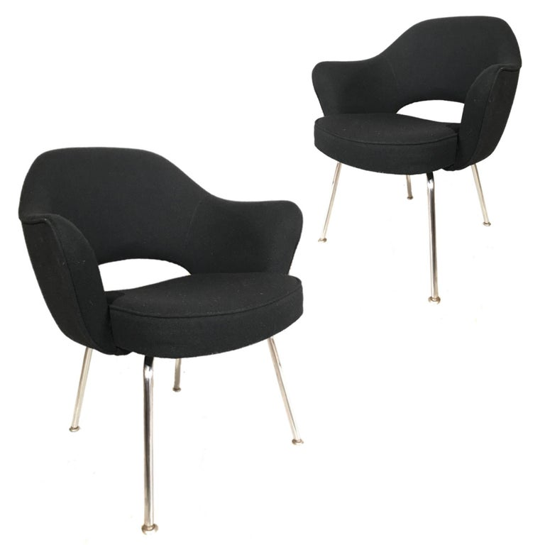 Mid-Century Modern Knoll Eero Saarinen Executive Armchairs in Knoll Black Upholstery For Sale